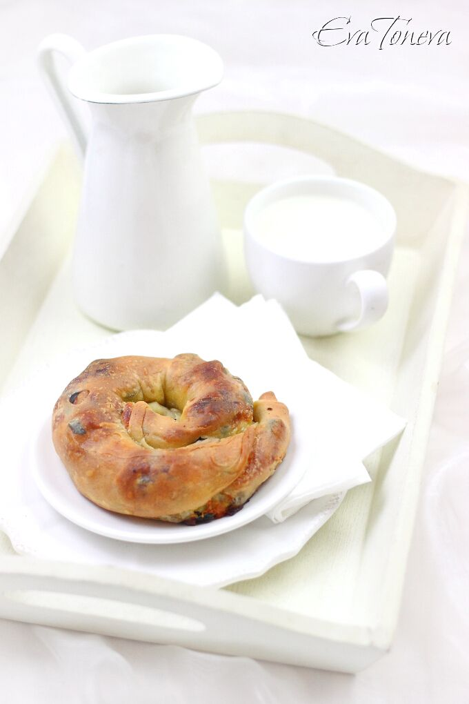 Olives pies with homemade filo pastry