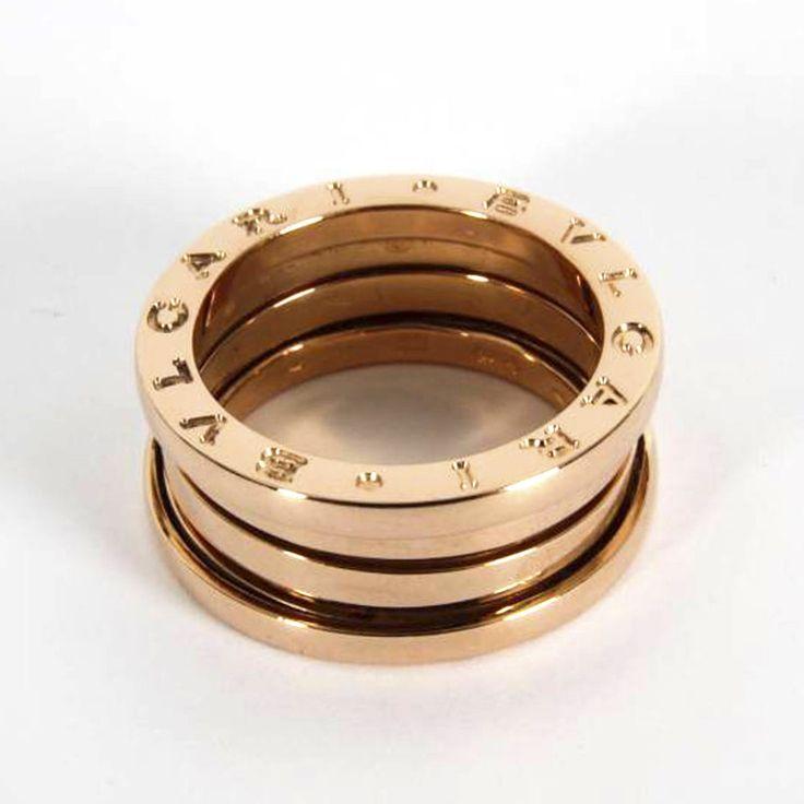 Descubre alguno de los anillos #Bvlgari que puedes encontrar en nuestra joyería. Anillo BULGARI B.ZERO1 3 bandas de oro rosa de 18K #Bvlgari #joyas #anillo