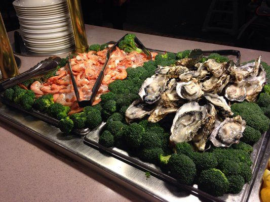 Raw oysters and shrimp at Sakura Buffet in Lancaster, CA.