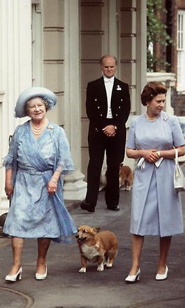 Queen Elizabeth and her corgis: 11 facts to know