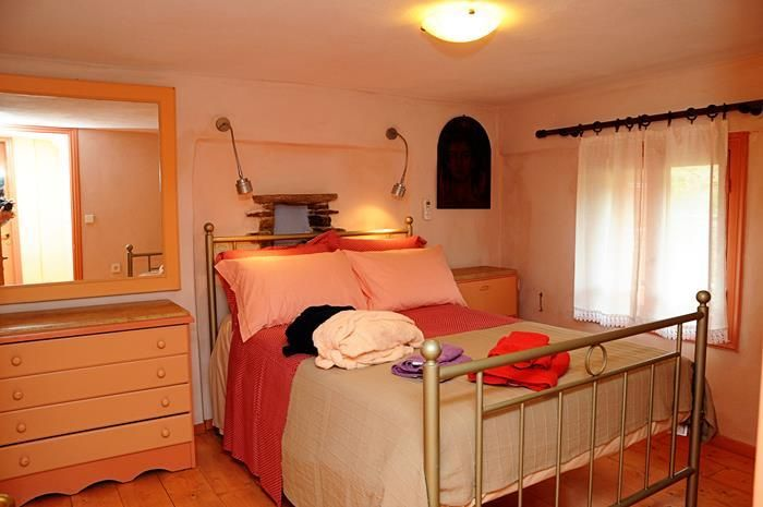 The Orange house is a 5 bedroom #holiday rental villa  that can host 9 guests http://www.tinos-habitart.gr/yellow-house.php