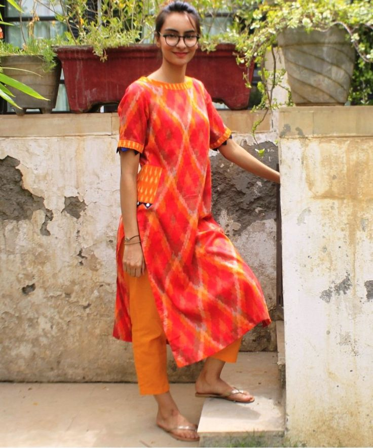 Ikkat Mirage Straight Kurti with Pockets and Straight Pants