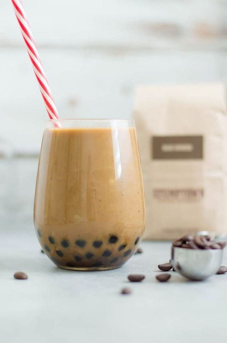14 Easy Ways to Make Your Own Bubble Tea at Home - Brit + Co Tea Recipes, Coffee Recipes, Drink Recipes, Smoothie Recipes, Yummy Recipes, Recipies, Easy Bubble Tea Recipe, Boba Tea Recipe, Homemade Horchata