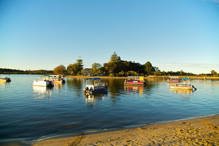 Swan Boat hire - Great way to spend a day, These guys hire all manor of water crafts from Stand Up Paddle boards to boats with BBQ's  and even Jet Ski's. Just 500m down the road from our park.