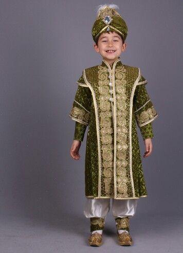 Kayı krem yeşil şehzade sünnet kıyafetleri 0212 909 32 31 Whatsapp 0507 896 0202 www.sunnetcarsisi.com