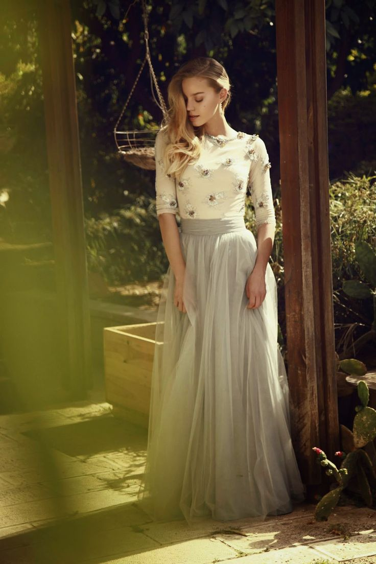25 best ideas about long tulle skirts on pinterest for Modest dresses to wear to a wedding
