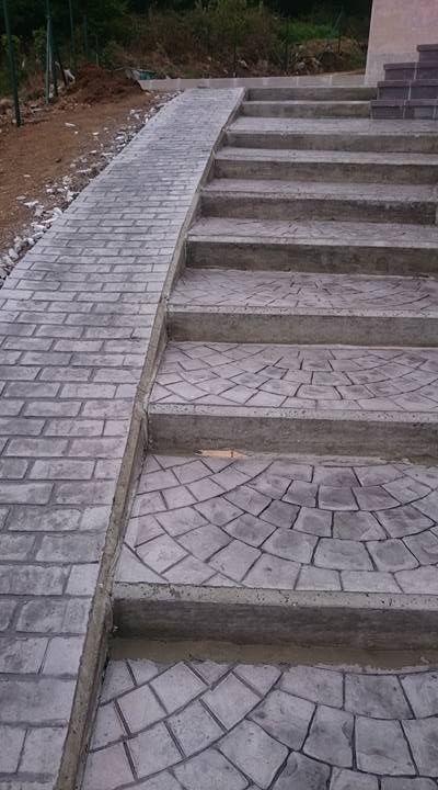 Escalera de hormig n estampado acera lateral en adoqu n - Escaleras de hormigon ...