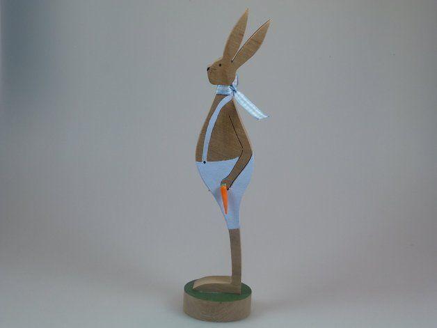 Osterhasen - Figur aus Holz - Hase mit Möhren - ein Designerstück von mw-holzkunst bei DaWanda