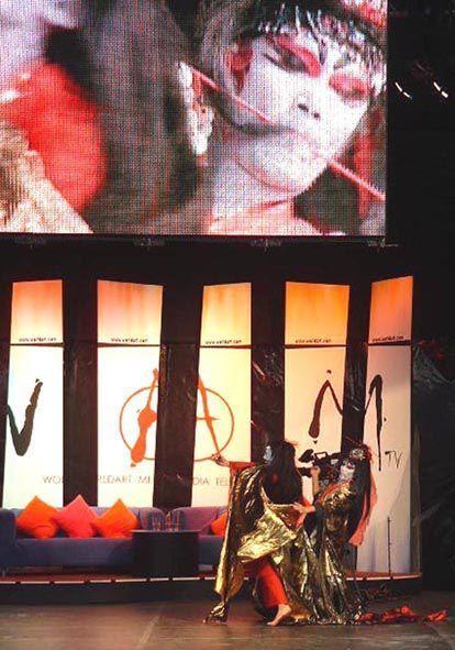 "Hiro in England  ""Medea"" 神ひろしの『王女メディア』英国公演"