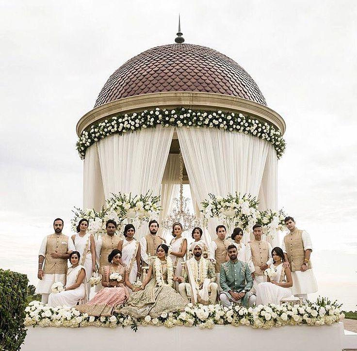 Major #wedding #squadgoals captured beautifully by @linandjirsa