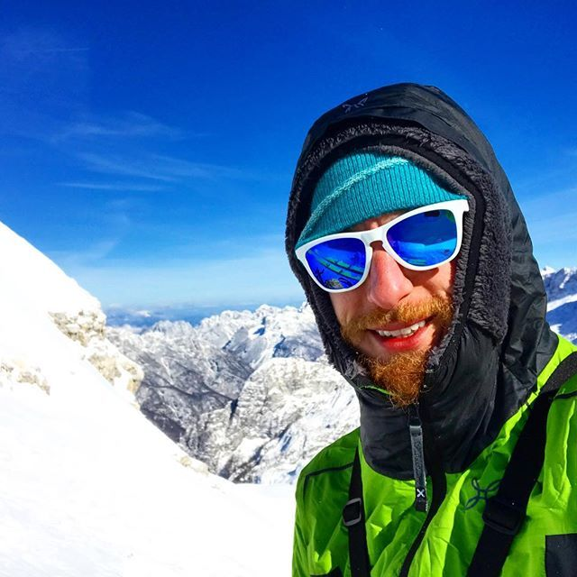 Good times in the French mountains #mountain #mountains #mountaintop #mountains #mountainman #mountainlife #mountaineering #mountainadventures #selfie #selfies #like4like #likes4like #likeforlike #sky #oakley #landscape #landscapelovers #skiingday #ski #skiing #enjoylife #goodtimes #adventure #adventuretravel #travel #holiday #holidays #lifedreams