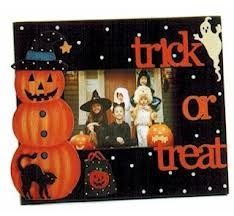 Cute Halloween picture frame.