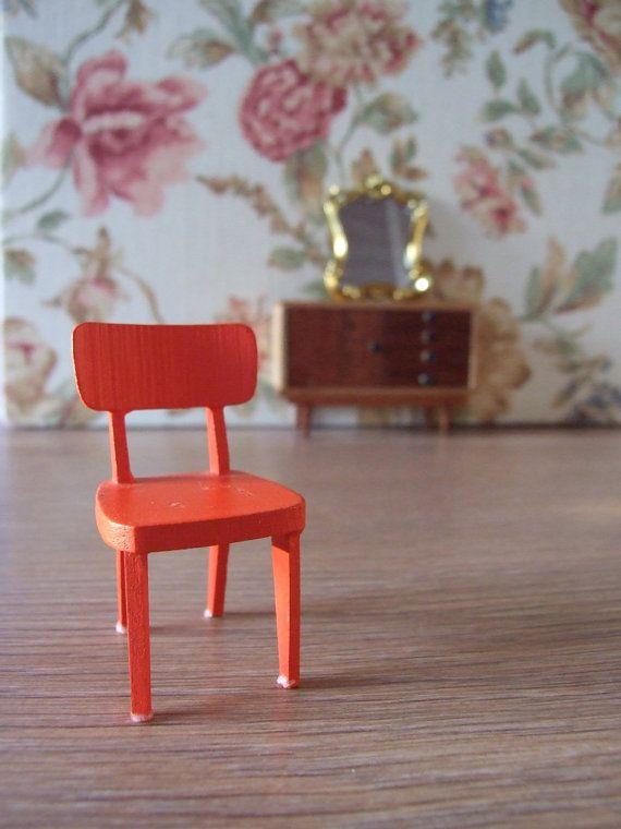 Silla años 60 miniatura // Silla casa de muñecas por tiendanordica, $15.00