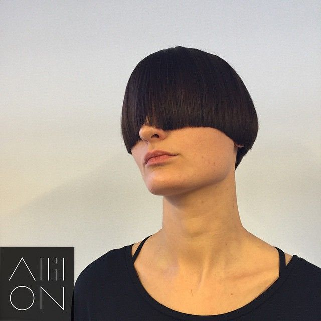 Cheeky little graduated shape in today's primary shapes demo hope you like.. #allilon #alliloneducation #academy #hair #shorthair #hairdresser #hairdressing #davines #davinesnorthamerica #behindthechair #precision #geometry  #sebastianwna #wellahair #wellalife #haircut #inspiration #hairbrained_official #hairbrained #hairclublive