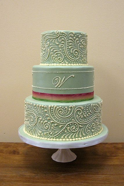 Paisley wedding cake! I'm not crazy about the colors but love the design