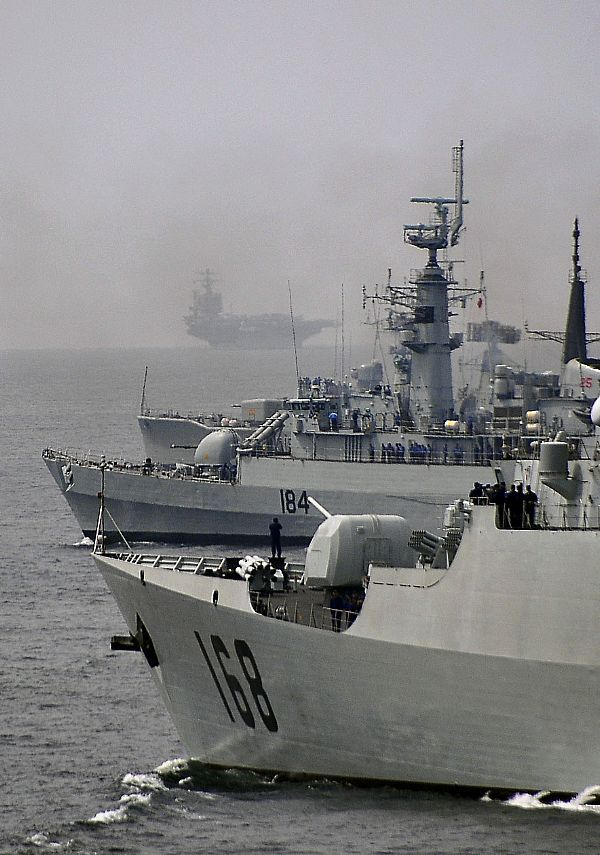 Best Monstrinhos Images On Pinterest News China Military - Us navy ships aircraft carriers movement stratfor maps
