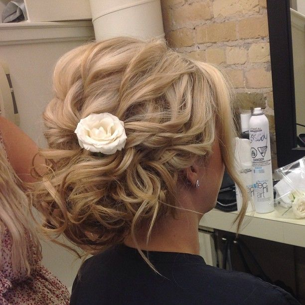 Elegant bridal style from Salon Entrenous Stylist Cassidy