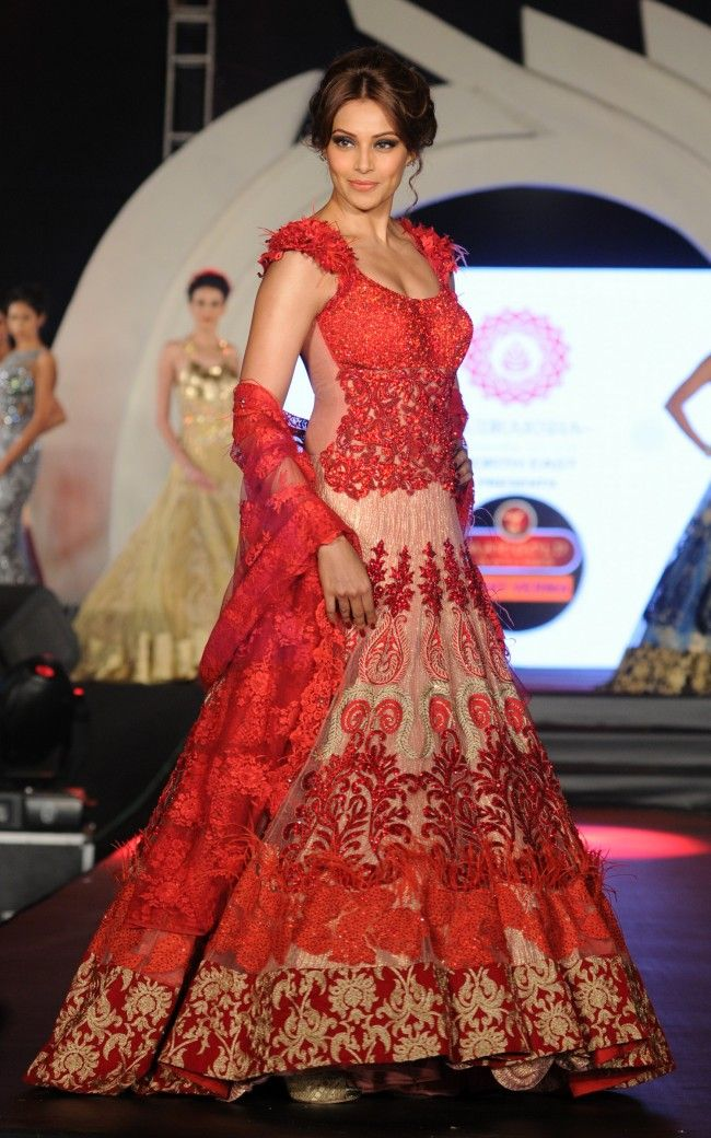 Marigold watches rohit verma fashion show indian wedding site home indian wedding site Style me pink fashion show