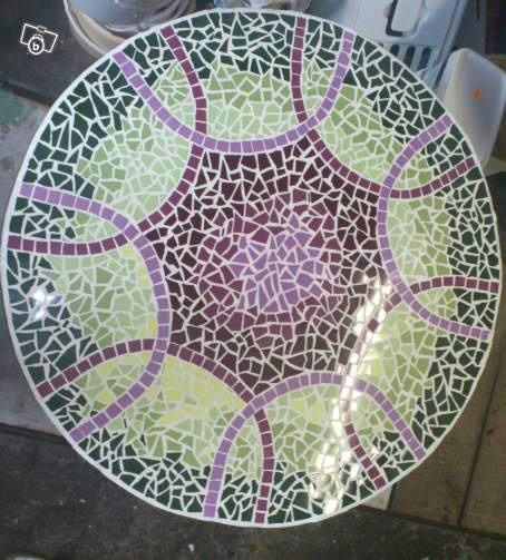 17 best images about mosaic tables countertops on for Fabriquer table mosaique