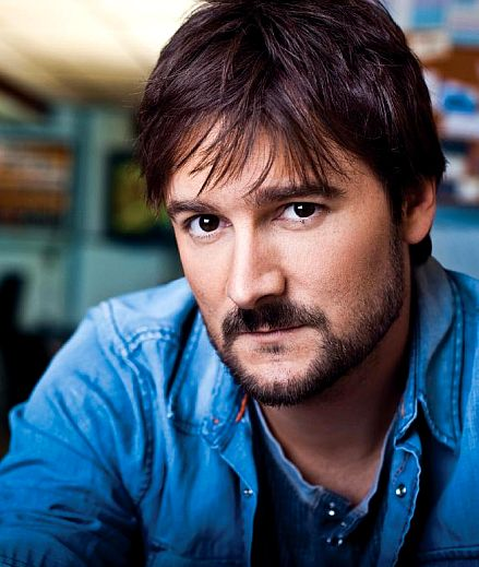 Eric Church - love him! Looks way different without the cap and aviators... <--- I love the color of his eyes