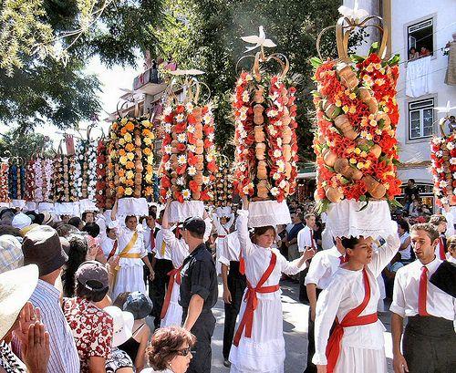 Festa dos tabuleiros em Tomar - Portugal