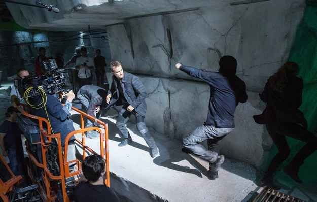 """Shailene went through a lot of frogs before she found her prince Theo James.   10 Things We Learned About The Making Of """"Divergent"""""""