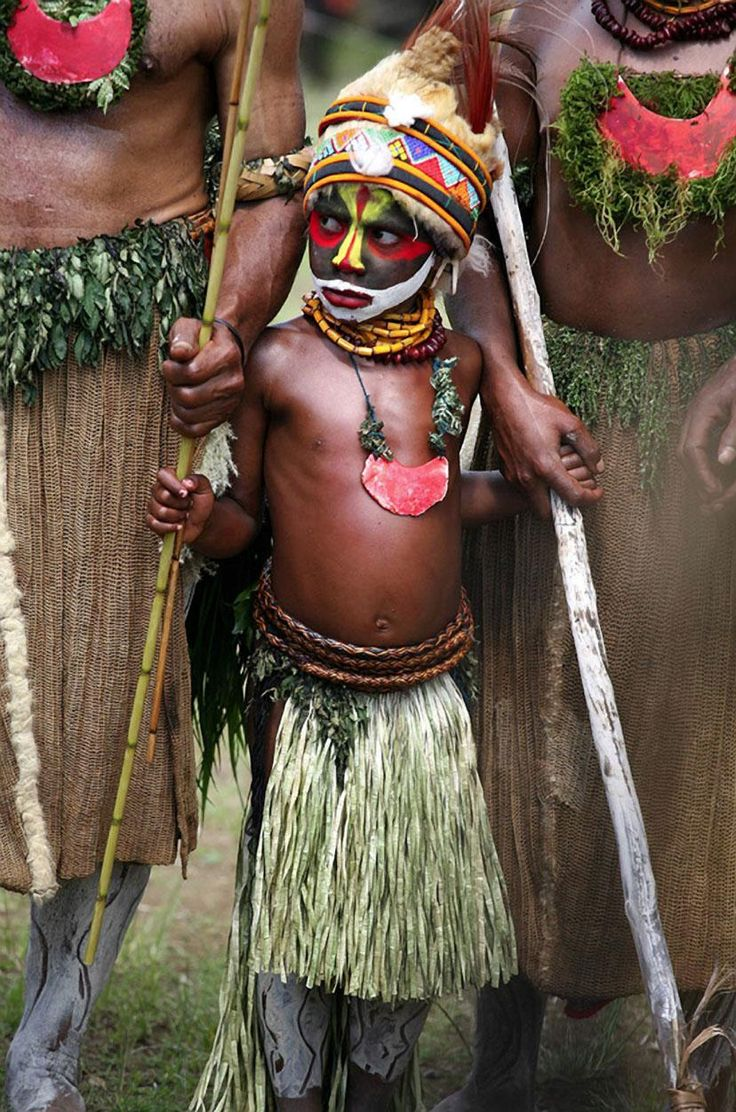 Papua New Guinea Boy in Tribal Face Paint, at Tribal Gathering - Pixdaus