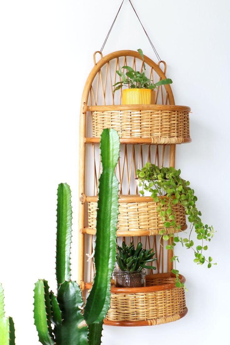 MY ATTIC SHOP / vintage rattan wall rack / rotan wandrekje / greens / plants www.entermyattic.com