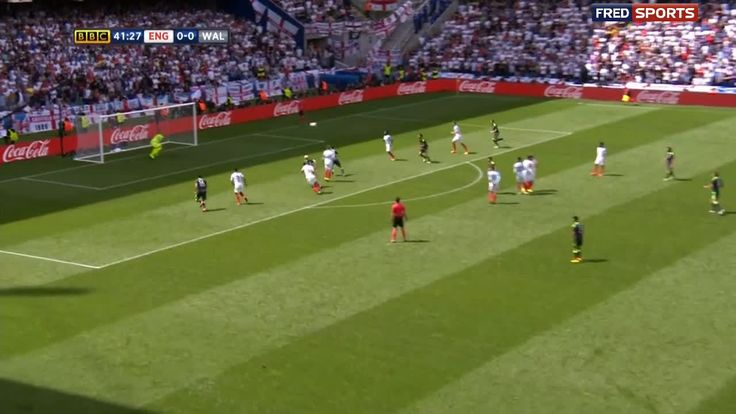 Bale scores a nice free kick for Wales to get 1-0 up against England. http://ift.tt/1rrYNTI Love #sport follow #sports on @cutephonecases