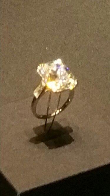 Princess Grace Kelly - Cartier wedding ring