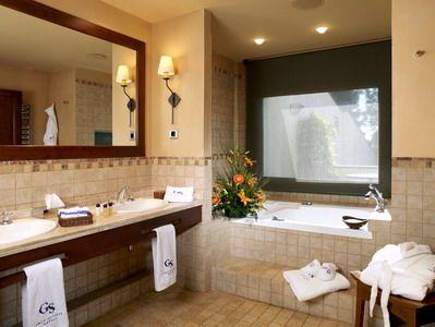 Baño habitación Hotel Rey Don Jaime de Castelldefels