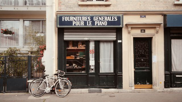 La Mer de Pianos by Wriggles & Robins. Short film about Marc Manceaux, the owner of the oldest piano shop in Paris.