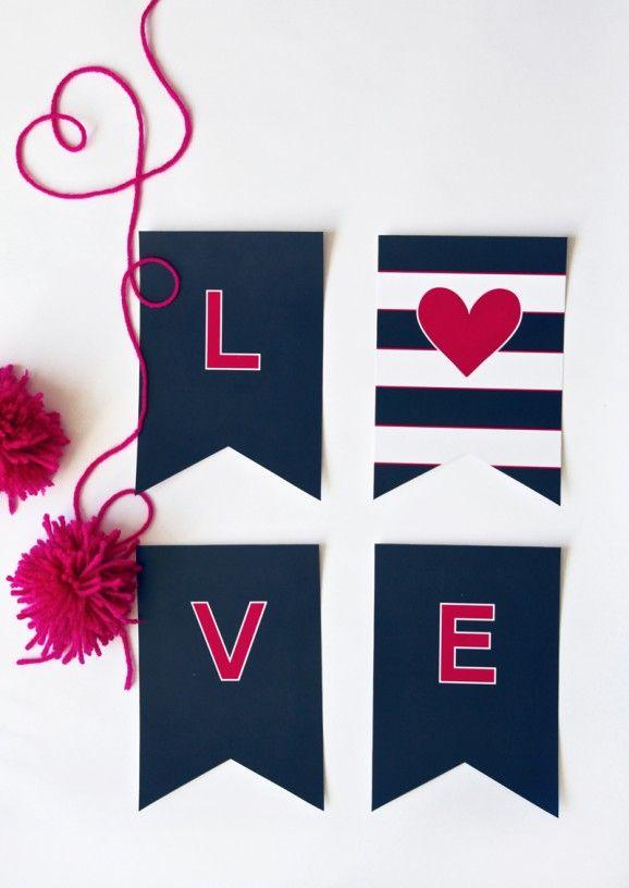 Guirnalda LOVE >> Preppy LOVE Banner free printable at PagingSupermom.com #freeprintables #valentines
