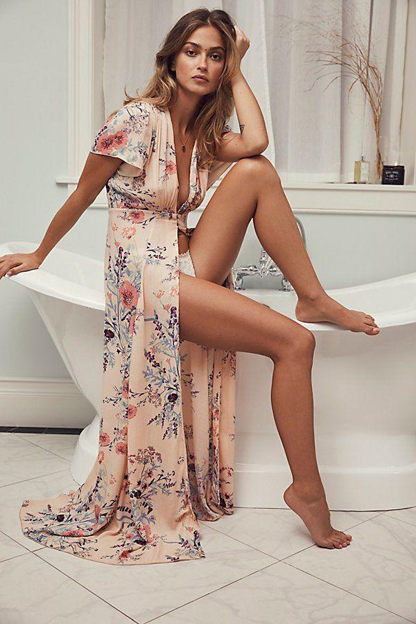 Wish to look Flawless? Deevine Robe    Follow:    #Nairathu    #fashion #style #woman #robe