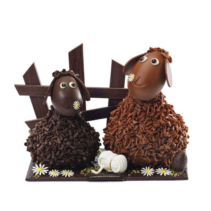 Pâques à saute-mouton avec la Maison du Chocolat  L'heure de Pâques a sonné. Un doux parfum de chocolat embaume les près fleuris. Agneaux, brebis et béliers gambadent et broutent à travers champs. À saute-mouton, par-delà les barrières, à travers les prairies, parmi les pâquerettes, sur les collines de chocolat…  http://www.pariscotejardin.fr/2013/03/paques-a-saute-mouton-avec-la-maison-du-chocolat/