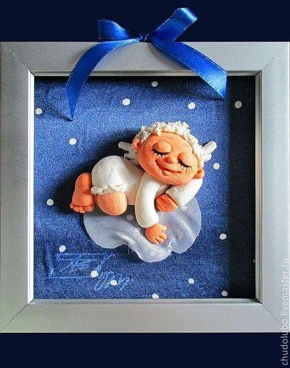Новенький ангел... Значит он только что появился,  и поэтому  в ползунках ,и очень рад своему появлению. Прекрасный подарок на рождение, на крестины, на именины., просто в детскую.