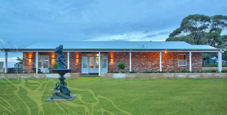 Stallion Homes are centrally located rural builders. Visit us today to learn more: http://www.stallionhomes.com.au/