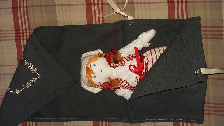 Pochette cadeau en tissu pour poupée