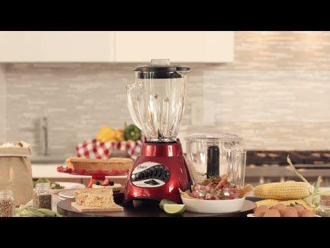 Mantén la tradición de tus sabores latinos con la licuadora Oster® y pon tus recetas a dar vueltas de generación en generación.
