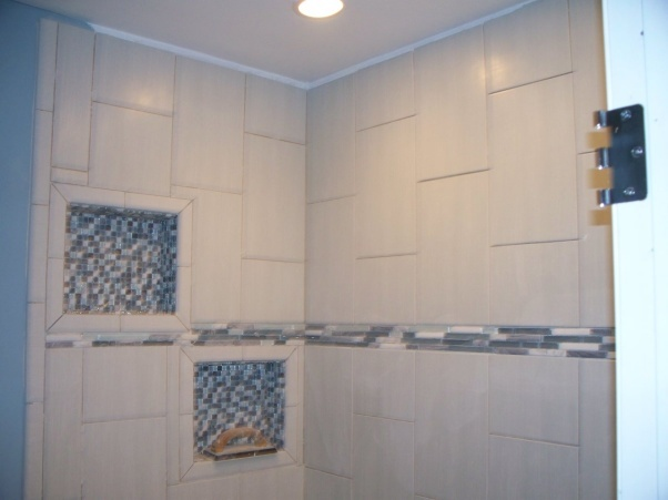 Small Master Bath  tub shower combo with vanity and toilet   New tile and  neches  Bathrooms Design. 17 Best images about Bathroom tile on Pinterest   Contemporary