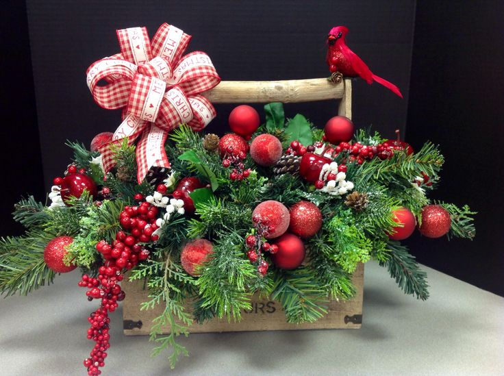 Christmas design by Andi (9989).....made with fall container....I always try to use the leftovers that are on sale.....