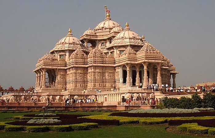Hindu Akshardham temple in South Delhi