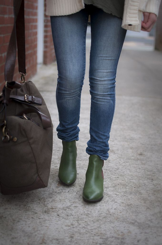 News | Chille Greer boots in green