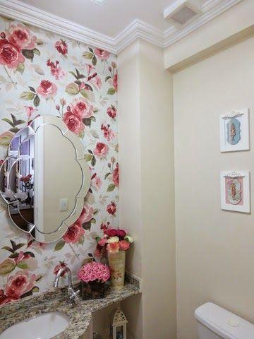 Floral lindo no papel de parede para lavabos, e este espelho fala sério ! love total com ele.                                                                                                                                                                                 Mais