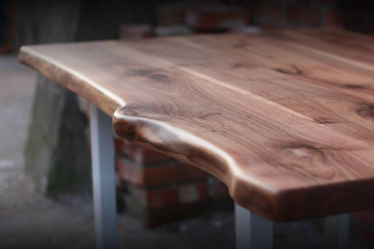 This meal table were made of walnut tree with steel feet and we kept the natural lines of the tabletop. We oiled the surface of the timber and waxed for natural effects. Size  Width: 140 cm Depth: 90 cm Altitude: 75 cm In a discretionary size can be ordered.