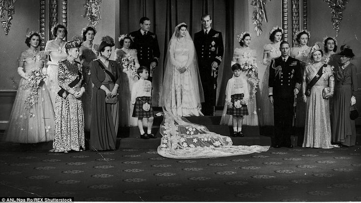 133 best images about elizabeth philip 1947 on for Queens wedding balcony