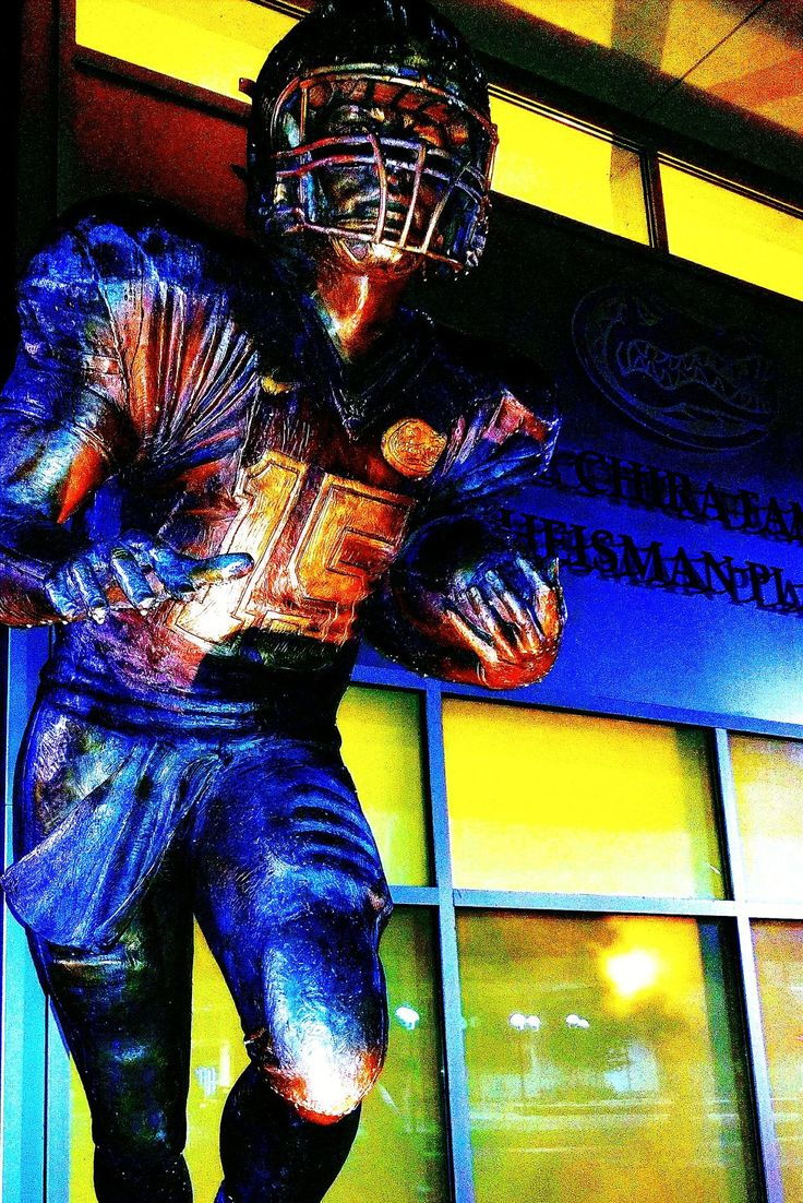 Florida Gators Tim Tebow Heisman Trophy Gator Nation  Gatorfootball Tebowing Statues And Monuments Bronze Figures