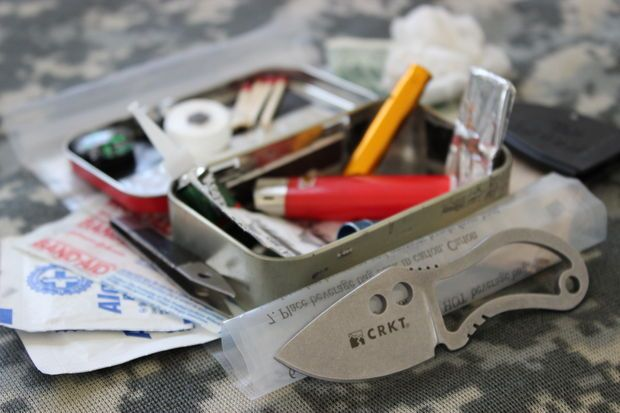How to make an Altoid survival kit. When hunting, I might make note to pack one of these in my pocket to keep on hand at all times.