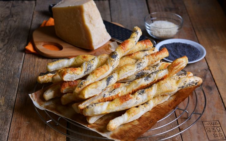 Stuzzichini al formaggio e paprika dolce ricetta