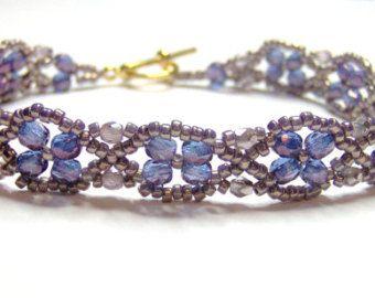 Pulsera azul y oro pulsera zafiro bígaro azul por AquaStudioDesigns